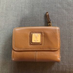 Tignanello brown wallet